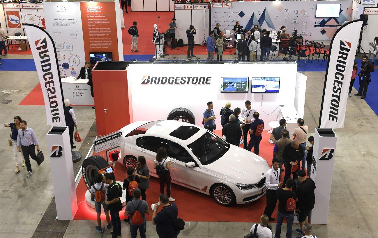 Bridgestone ha presentato a Maker Faire le sue soluzioni digitali per l'auto del futuro