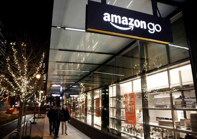 Amazon testa la tecnologia dei negozi senza cassa anche nei grandi magazzini, secondo i rumors