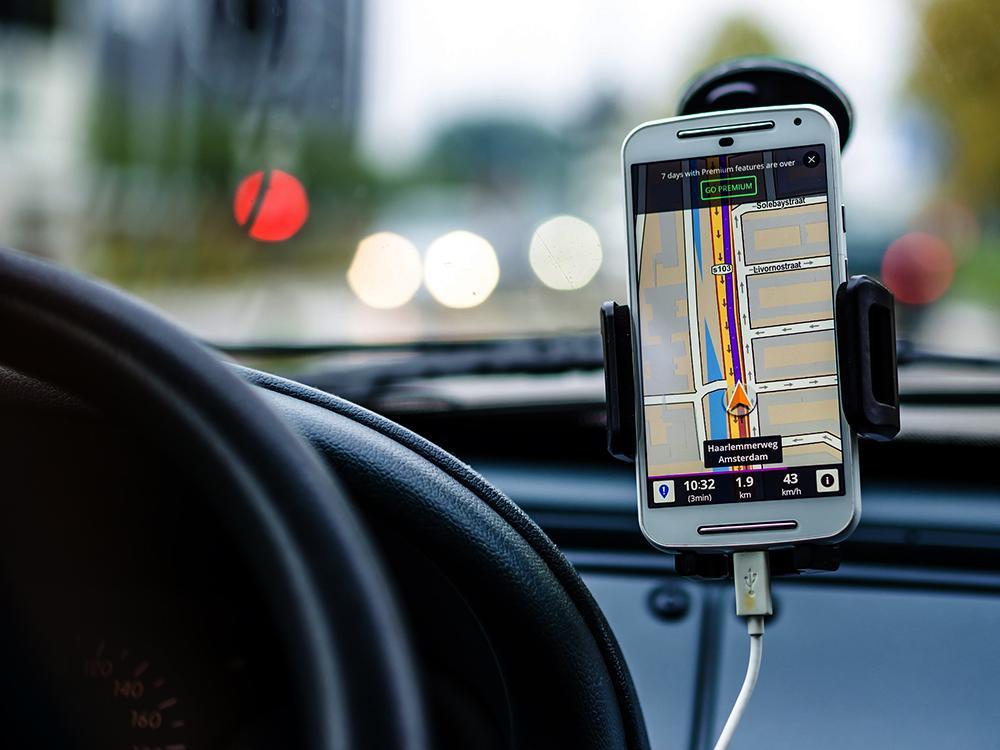 Anas e MIT vogliono monitorare strade e ponti con i nostri smartphone. L'accordo spiegato