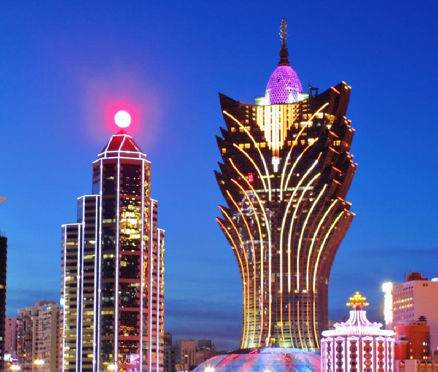 La Cina vuole sostituire i lampioni con una luna artificiale entro il 2020