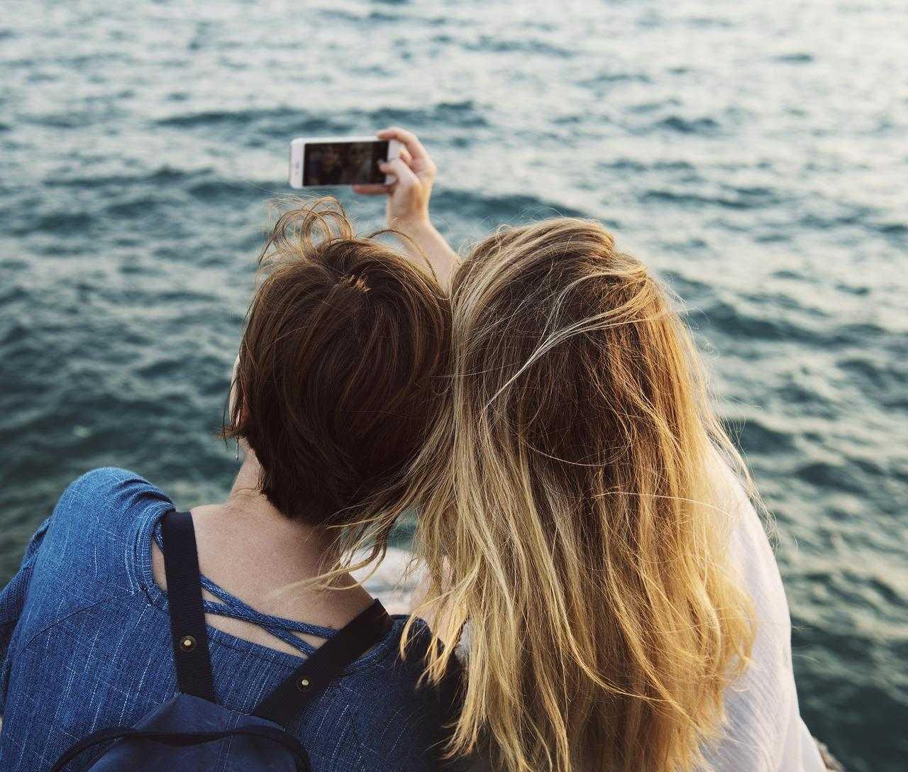 I selfie hanno già 'ucciso' 259 persone, lo dice uno studio