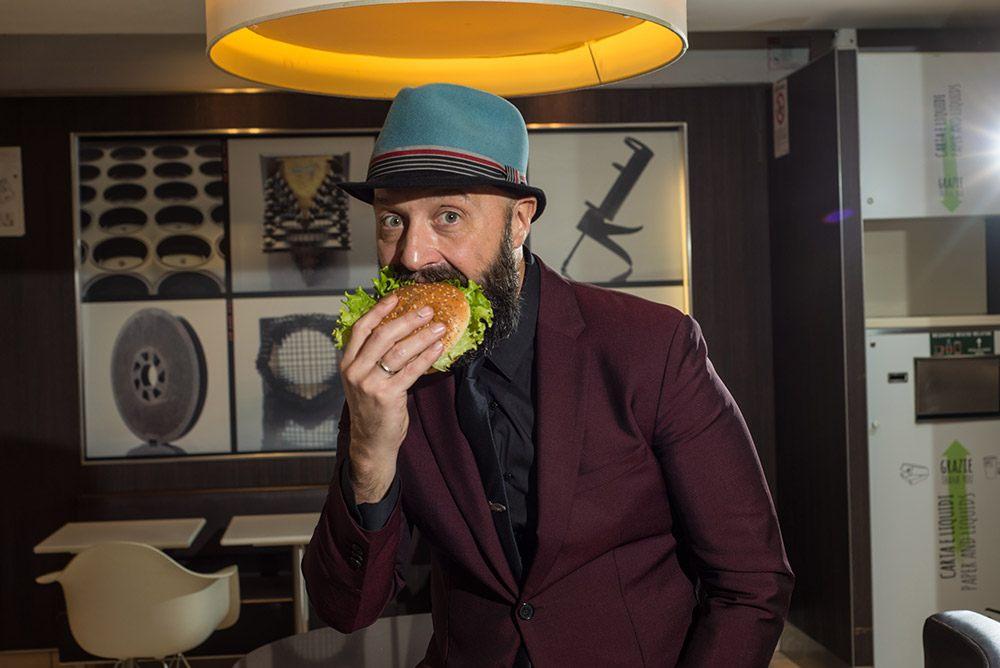Bastianich firma anche l'edizione 2019 dei panini gourmet di McDonald's