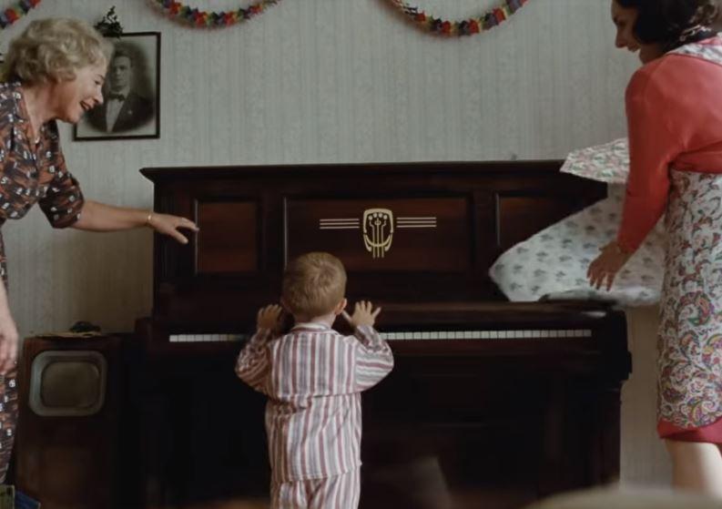 Elton John emoziona tutti nella nuova pubblicità di Natale di John Lewis