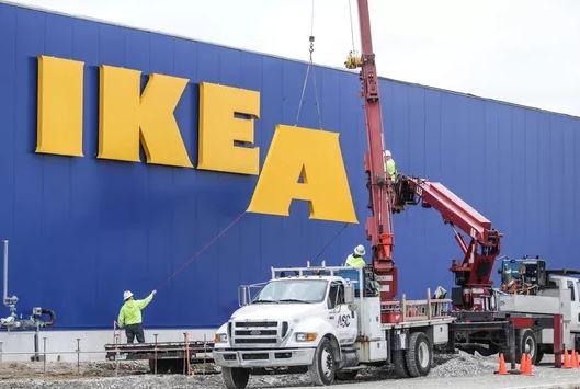 IKEA si prepara ad aprire tanti piccoli negozi (e taglia 7500 posti di lavoro)