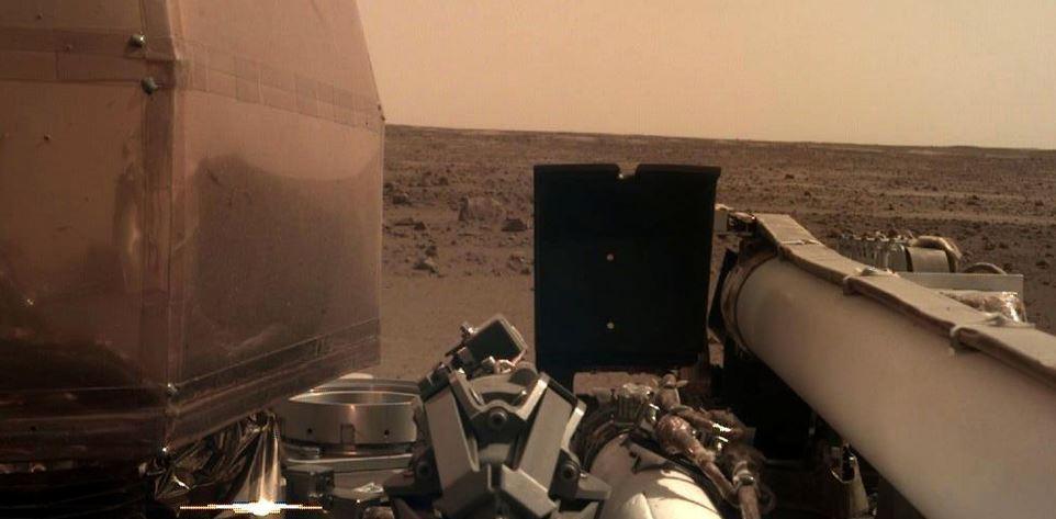 La sonda Insight della NASA è atterrata su Marte con successo