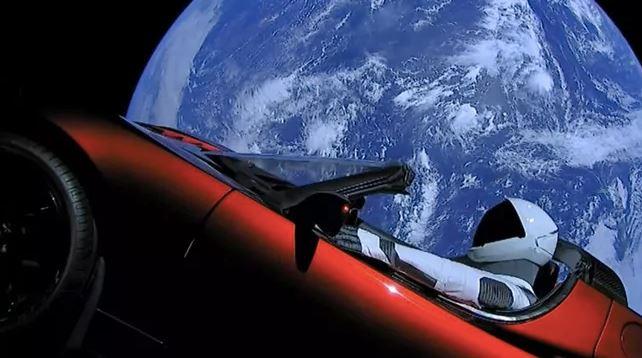 Un ricercatore mostra in 3D come funzionerà l'internet via satellite di Musk