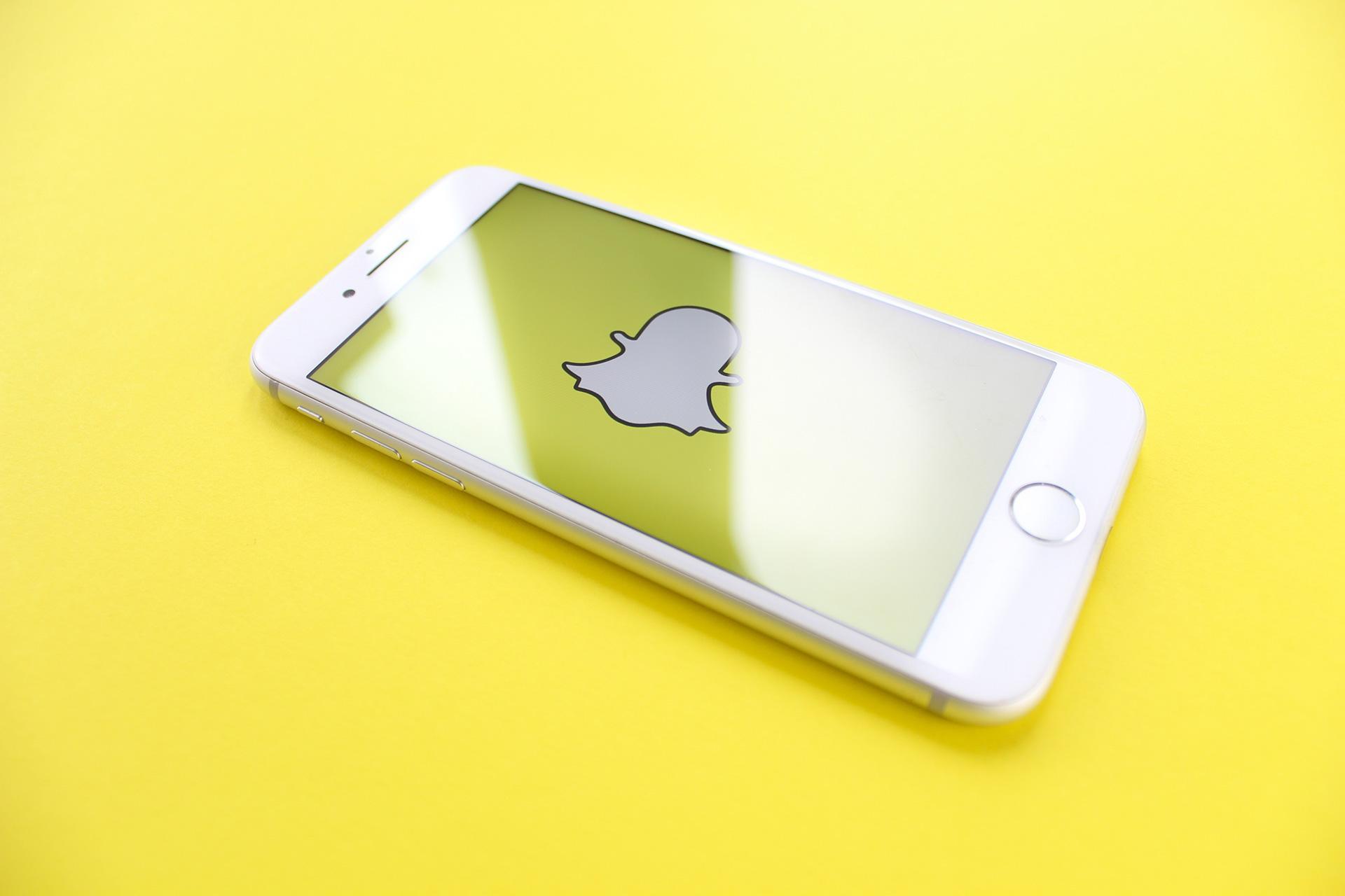Week in Social: dall'arrivo di Snap Camera al tasto info su Facebook