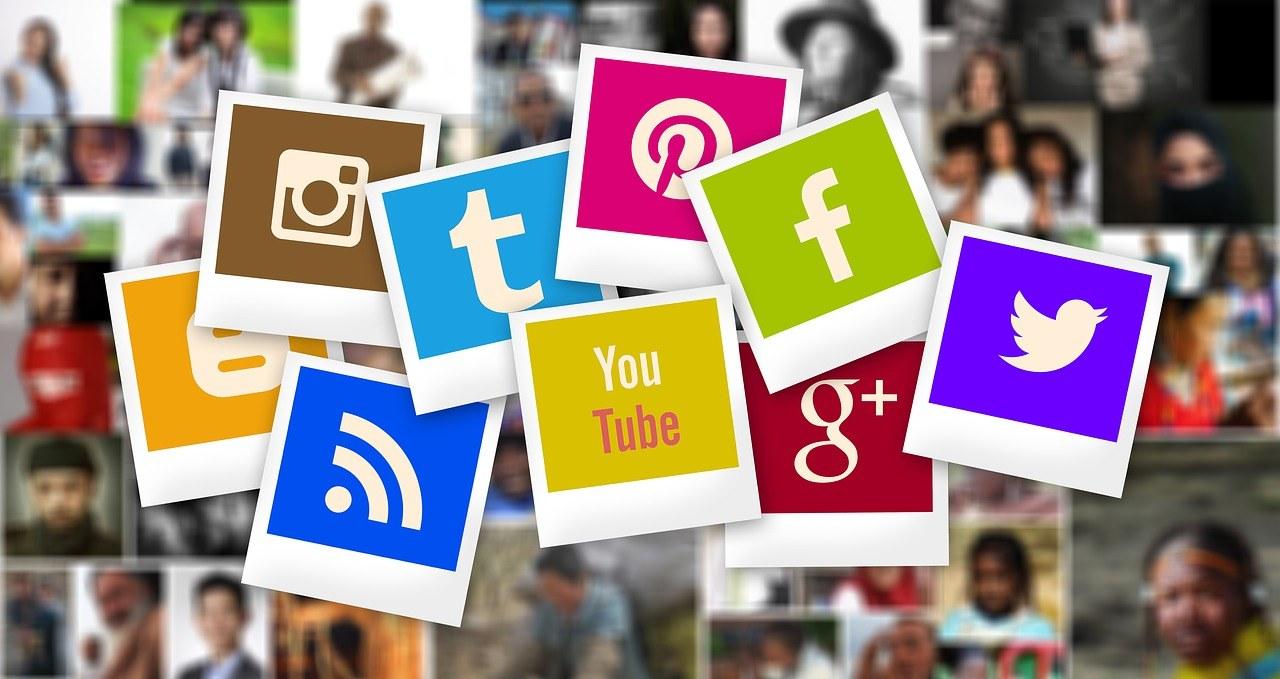 Facebook, Twitter, Instagram, YouTube, LinkedIn esserci o non esserci
