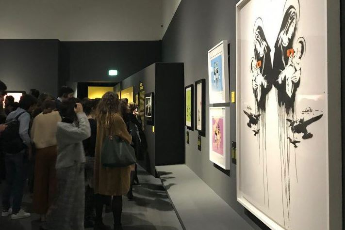 Abbiamo visitato la mostra di Banksy al Mudec di Milano (e vi raccontiamo perché vale la pena andarci)