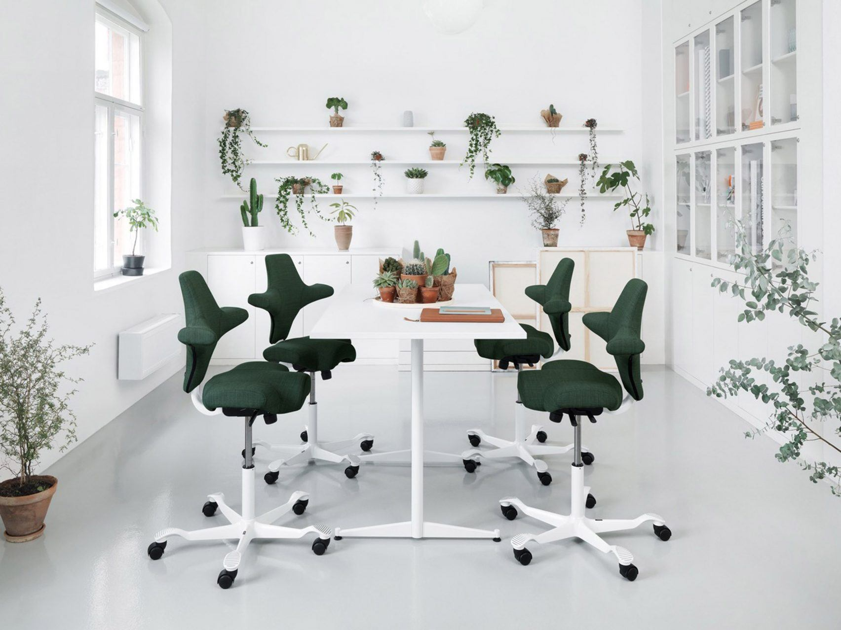 5 sedie di design (sostenibile) per portare l'attenzione all'ambiente anche in ufficio