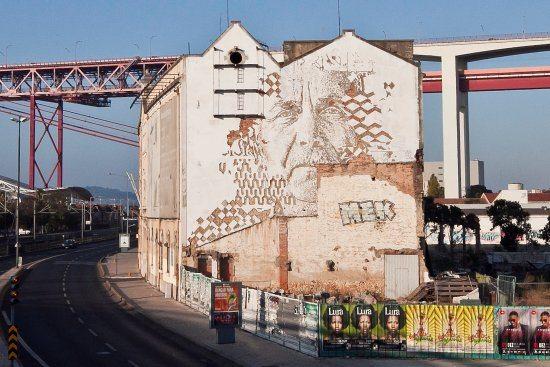 La limited edition di Hennessy e il sapore della street art di Vhils