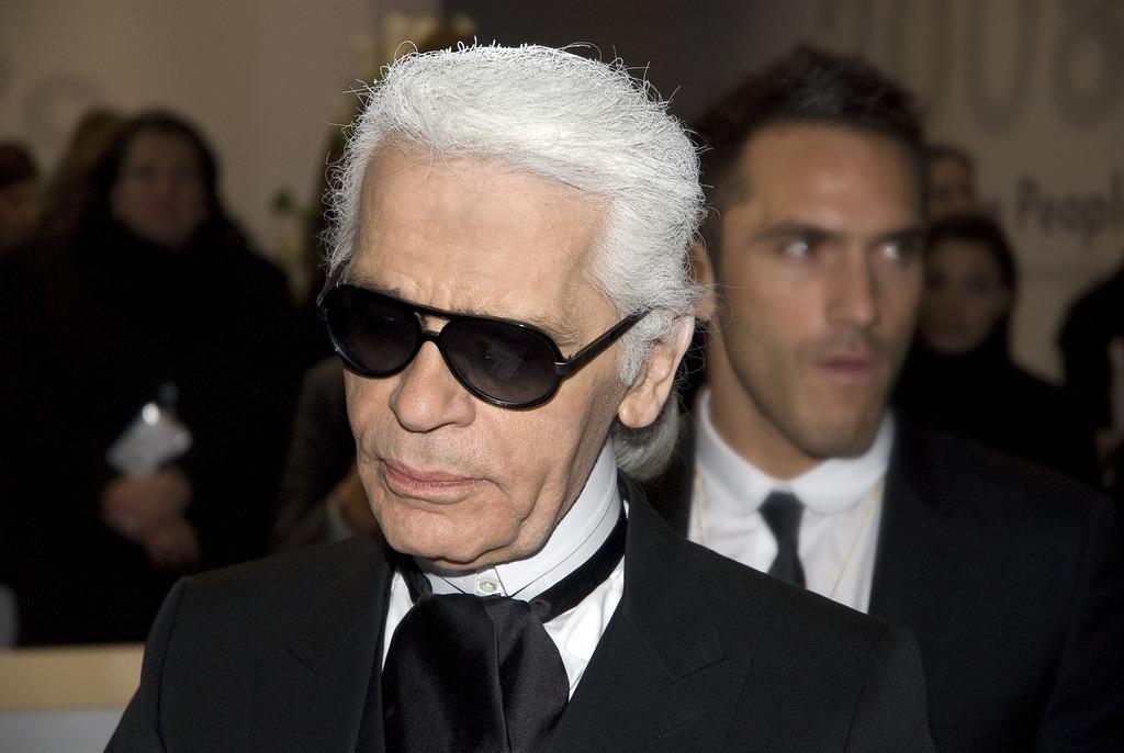 È morto Karl Lagerfeld, il genio direttore creativo di Fendi e Chanel