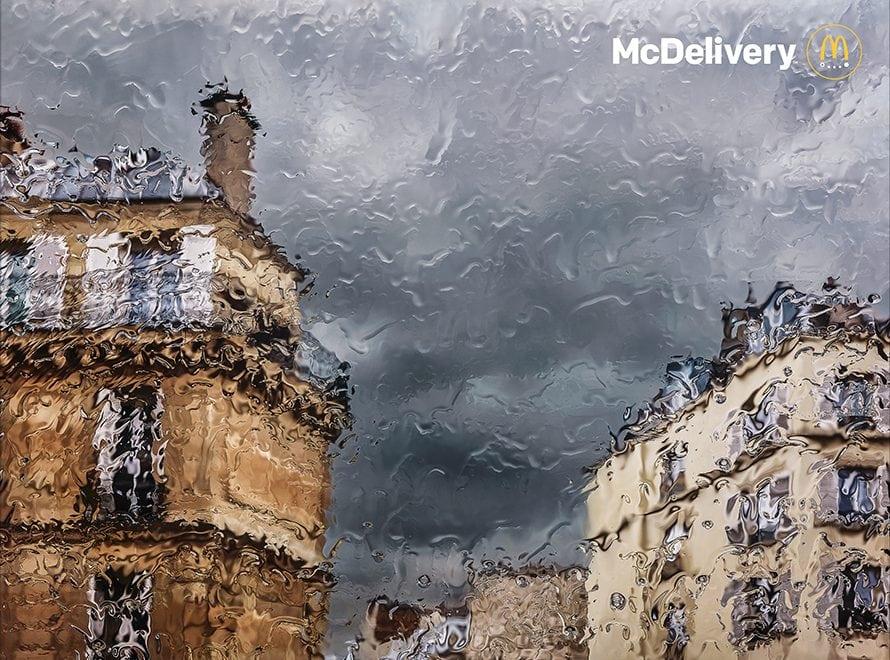 """La campagna """"Rain"""" di McDonald's ha conquistato tutti con il tratto impressionista delle immagini"""