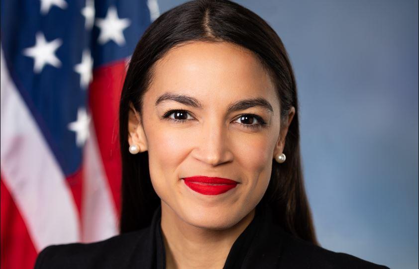 Dal Bronx al Congresso, ecco come Alexandria Ocasio-Cortez è diventata deputato (anche grazie ai social)