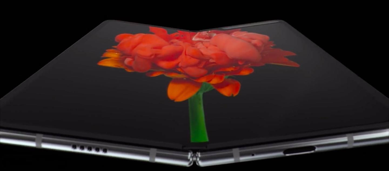 Ecco il Samsung Galaxy Fold, lo smartphone pieghevole che si fa tablet