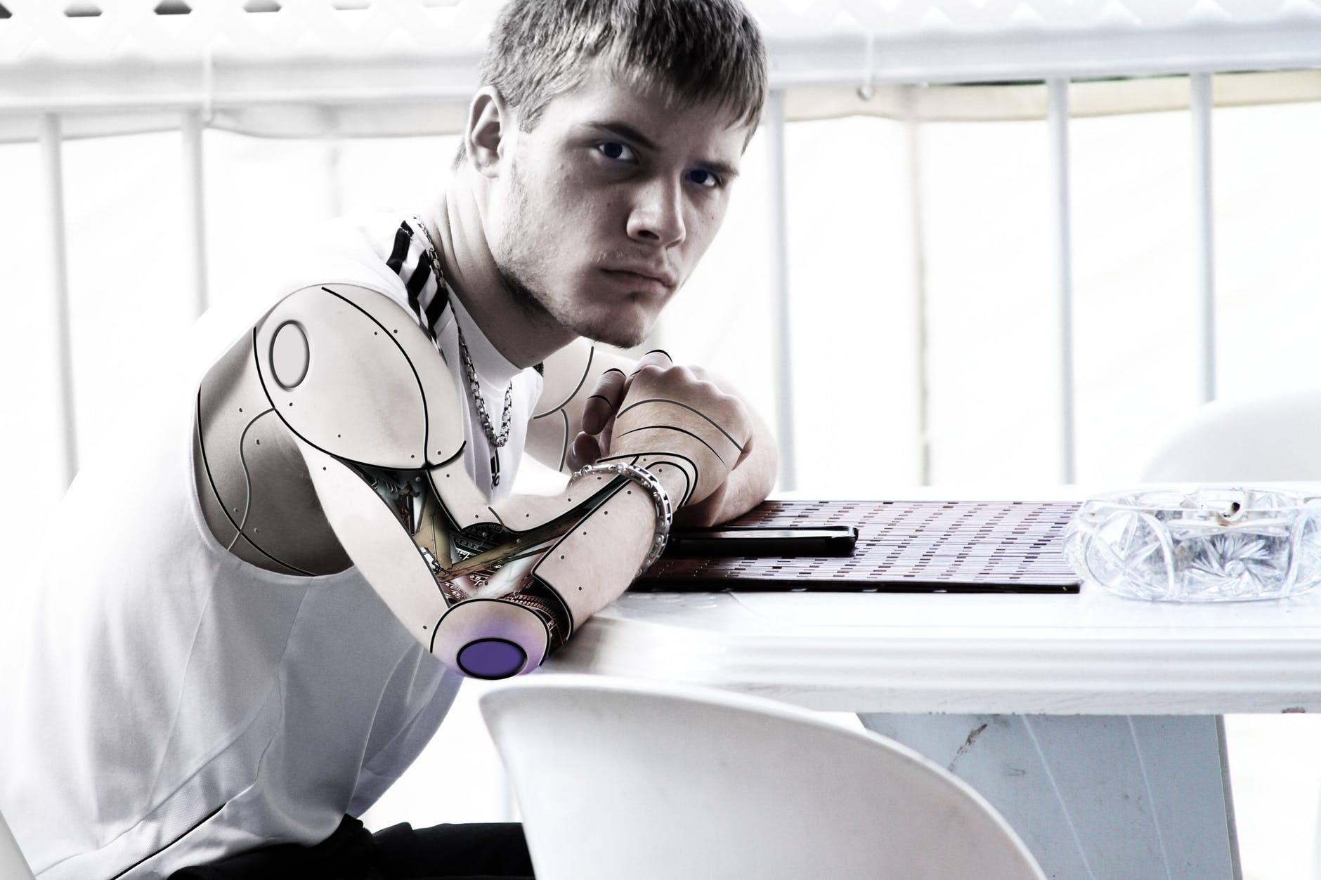 Cyborg o Umani
