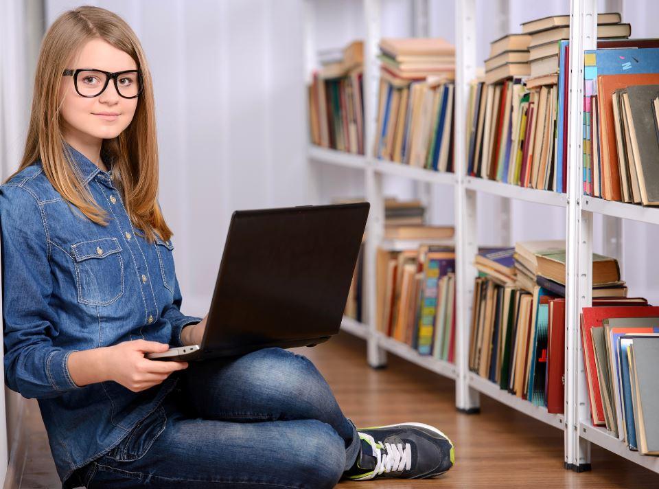 Fuga dai social, i teenager usano Google Docs per chattare sotto il naso di genitori e insegnanti