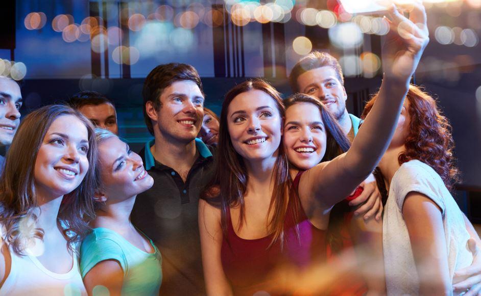 Cosa sono e come funzionano i Party Account Instagram, il nuovo trend tra gli adolescenti americani