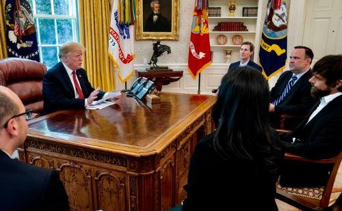 Calano i follower e Trump chiama a rapporto direttamente il CEO di Twitter