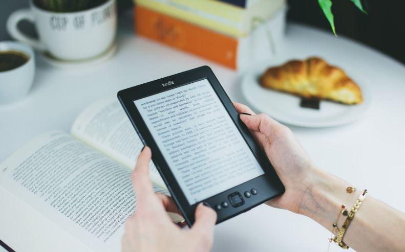 Come pubblicare il tuo libro online e promuoverlo sui social