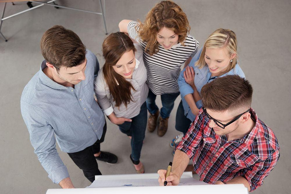 Le 5 persone da includere nel tuo digital marketing dream team