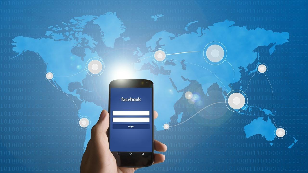 """Facebook, Instagram e Whatsapp di nuovo ok. Che cosa ha """"rivelato"""" il down"""