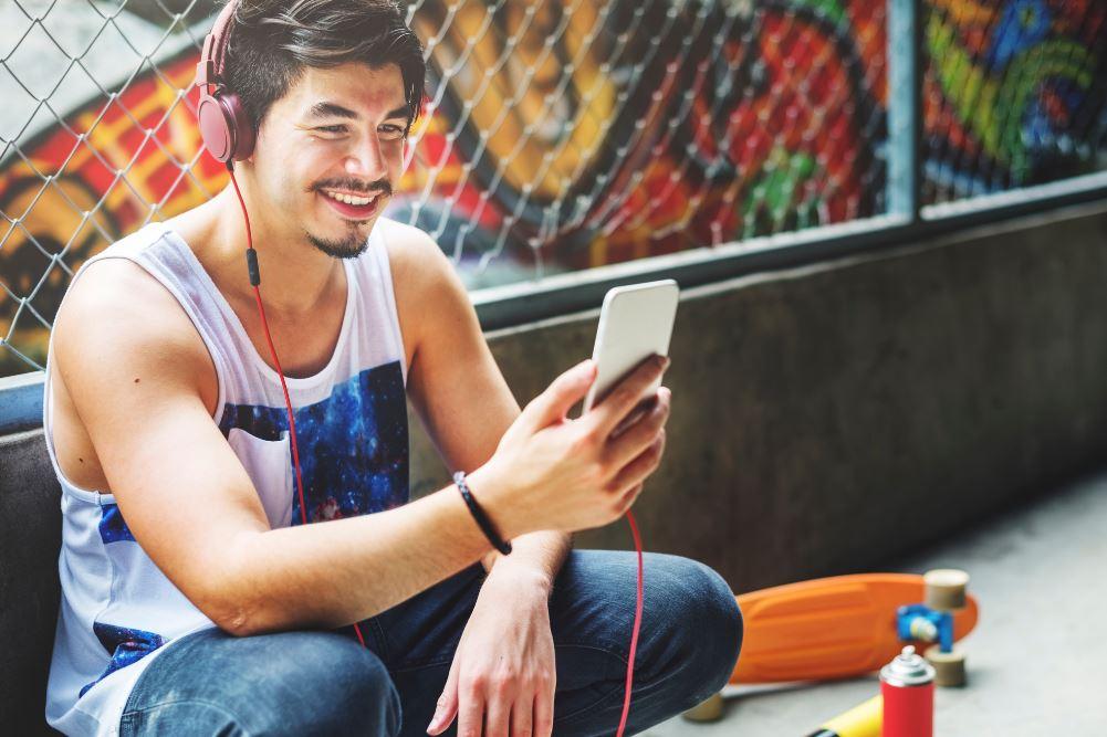 Vi raccontiamo AW LAB IS ME, il format musicale che ha unito Nike, adidas e Puma (insieme a Sony Music)