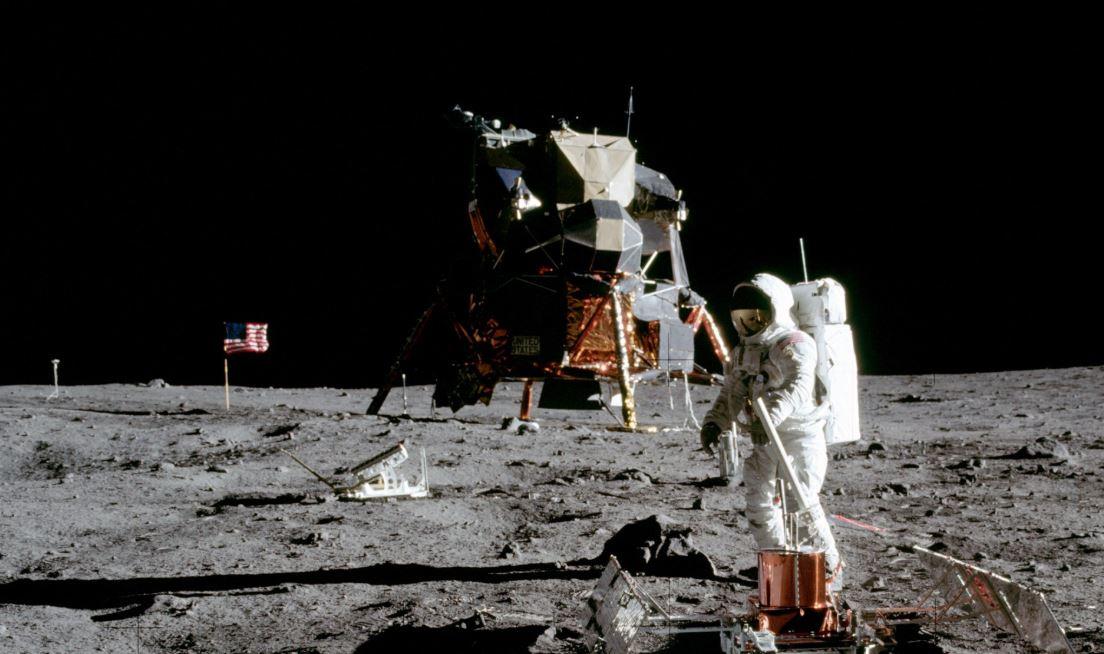 Per celebrare i 50 anni dell'uomo sulla luna questo sito web riproduce la missione dell'Apollo 11 in tempo reale