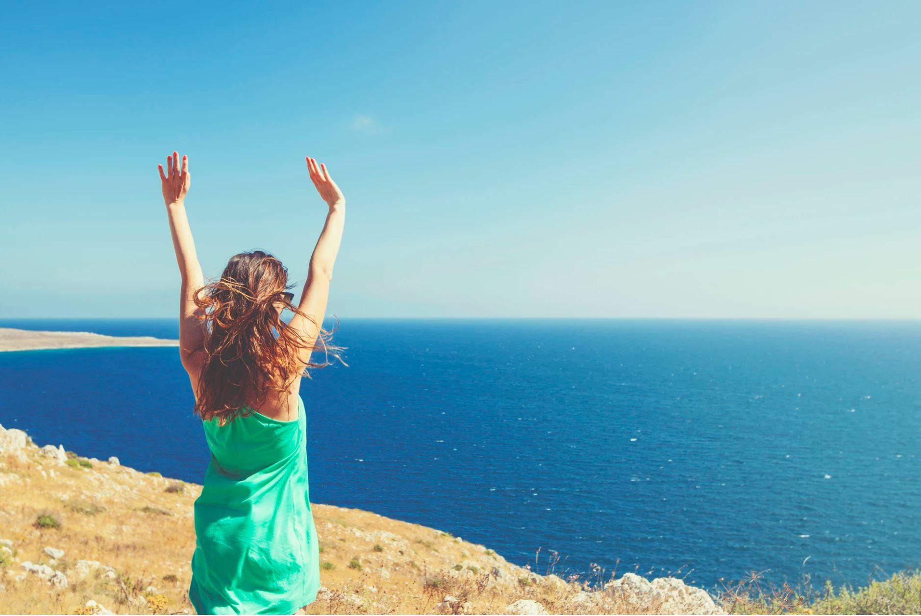 Perché (e come) fare vacanze digital detox? Un guida per chi parte e chi resta