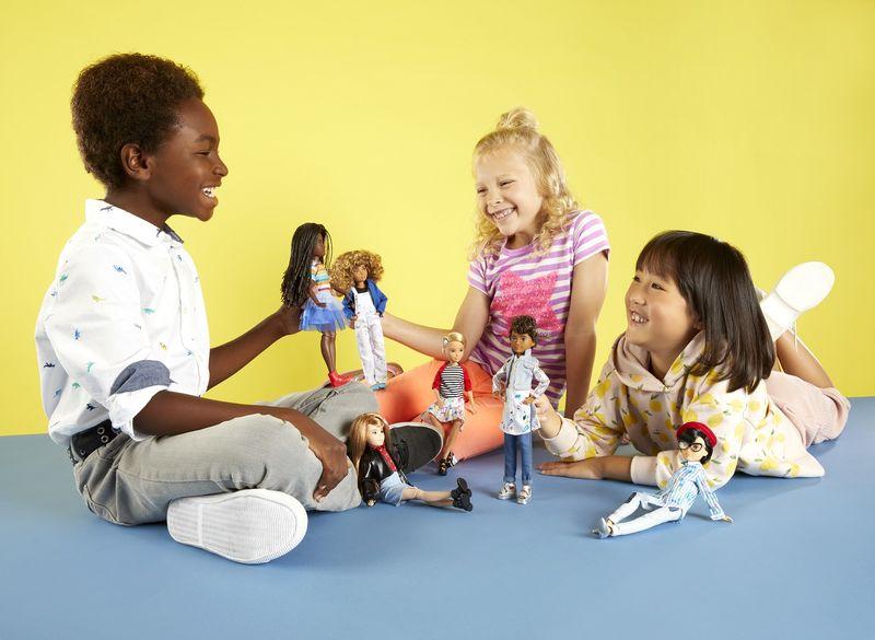 La nuova linea di bambole gender neutral di Mattel fa discutere i social