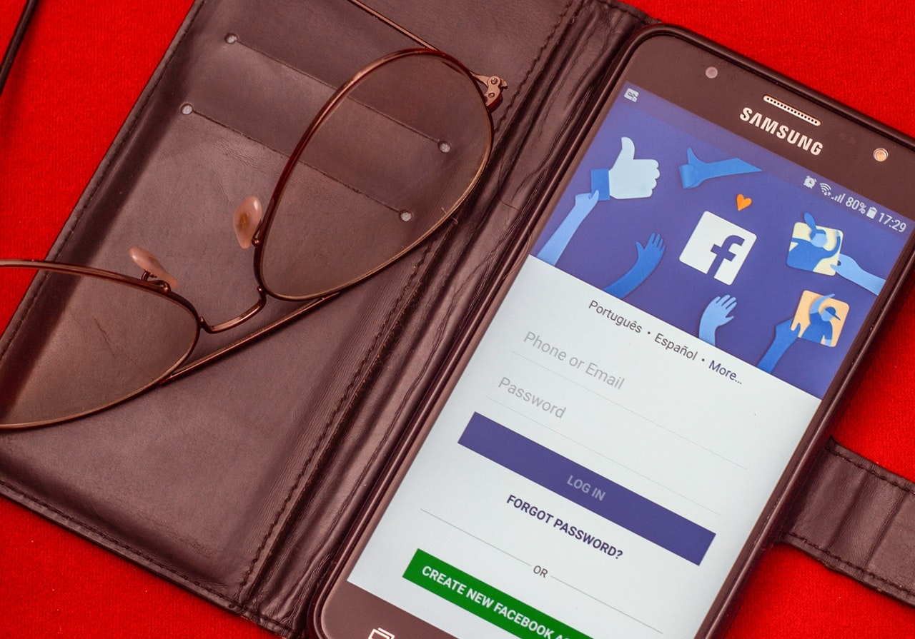 cancellare app facebook, management batteria del telefono