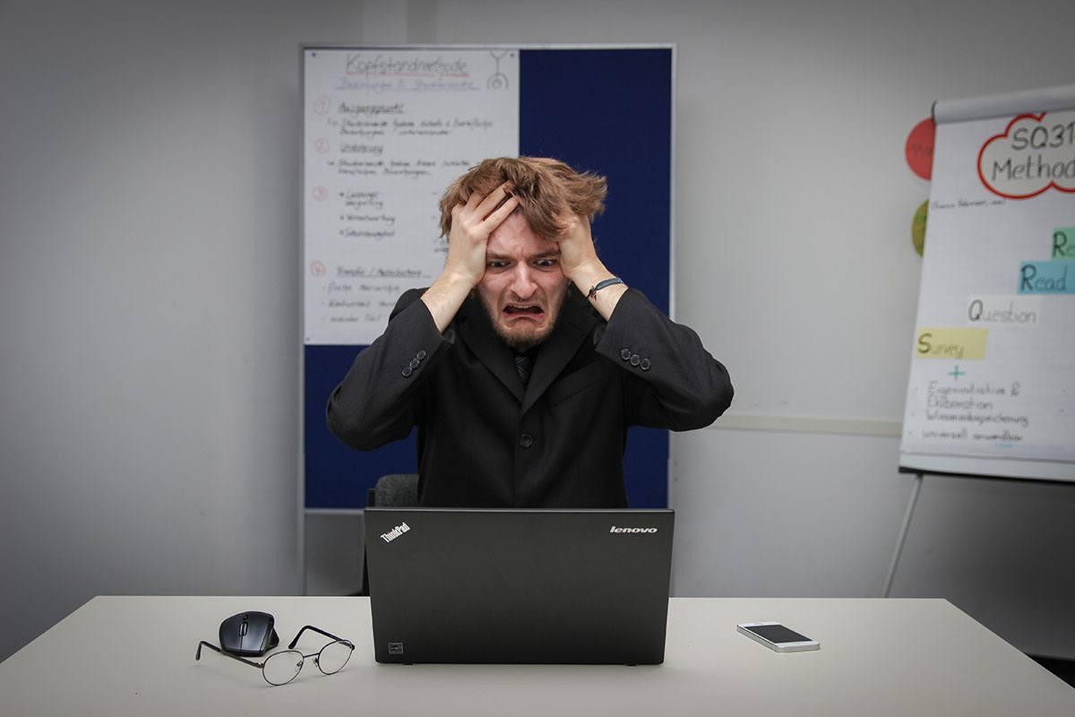 5 consigli per gestire i commenti negativi sui social