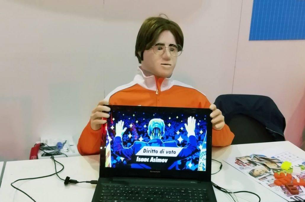 Jerry Manbot robot alla scrivania di Maker Faire
