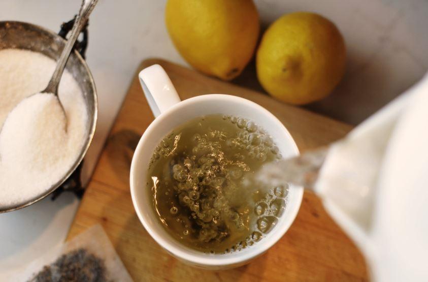Le microplastiche liberate dalle bustine di tè sono solo la punta dell'iceberg e il packaging sostenibile è il futuro