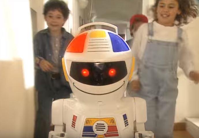 """Abbiamo visitato """"Io Robotto"""", la mostra che ci racconta l'evoluzione dei robot da compagnia"""