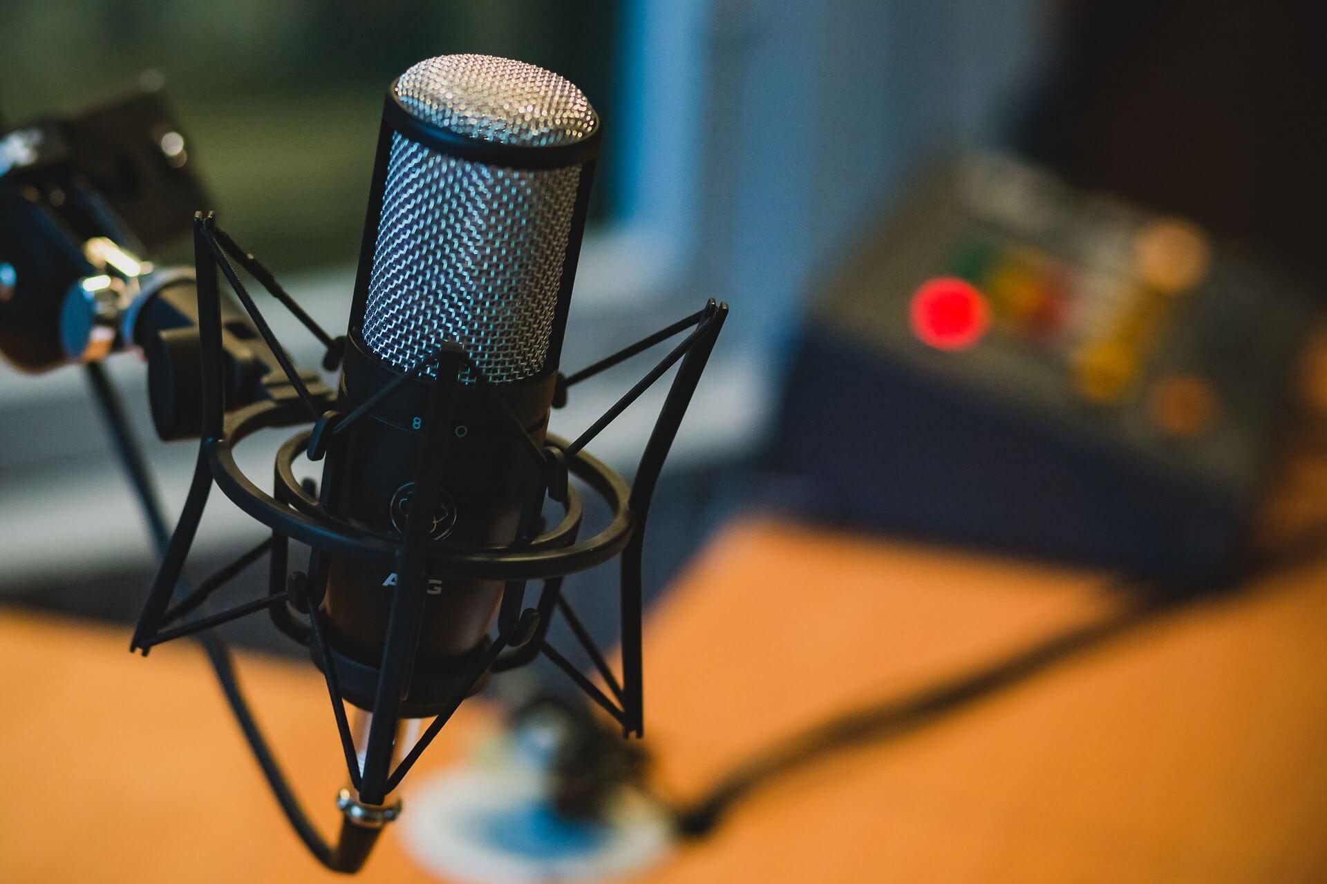microfono-audiolibri-podcast