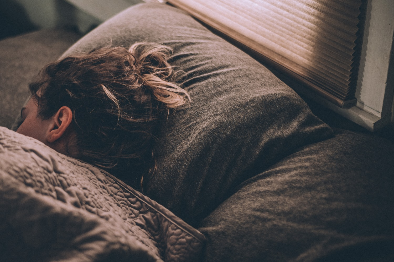 La tecnologia ci migliora (anche) il sonno: ecco gli accessori tech per dormire alla grande