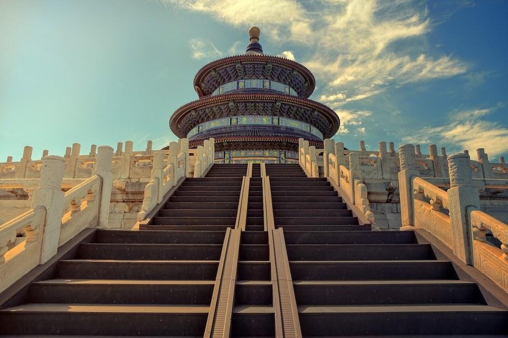 Pechino vuole fare piazza pulita delle tecnologia Usa. In tre anni