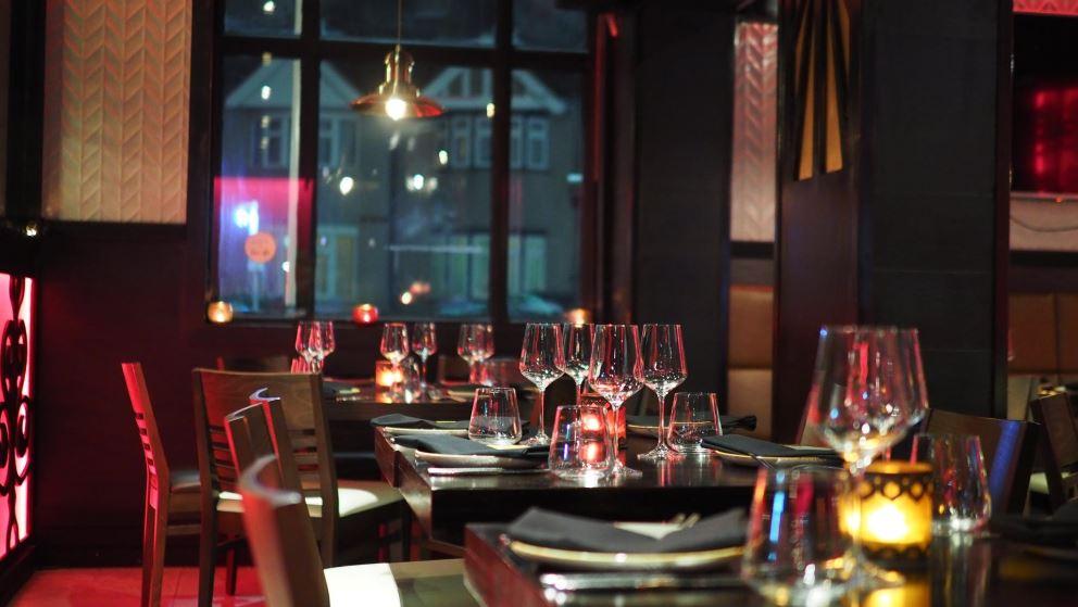 Anche la luce può essere uno strumento di marketing: ecco come la usano i ristoranti