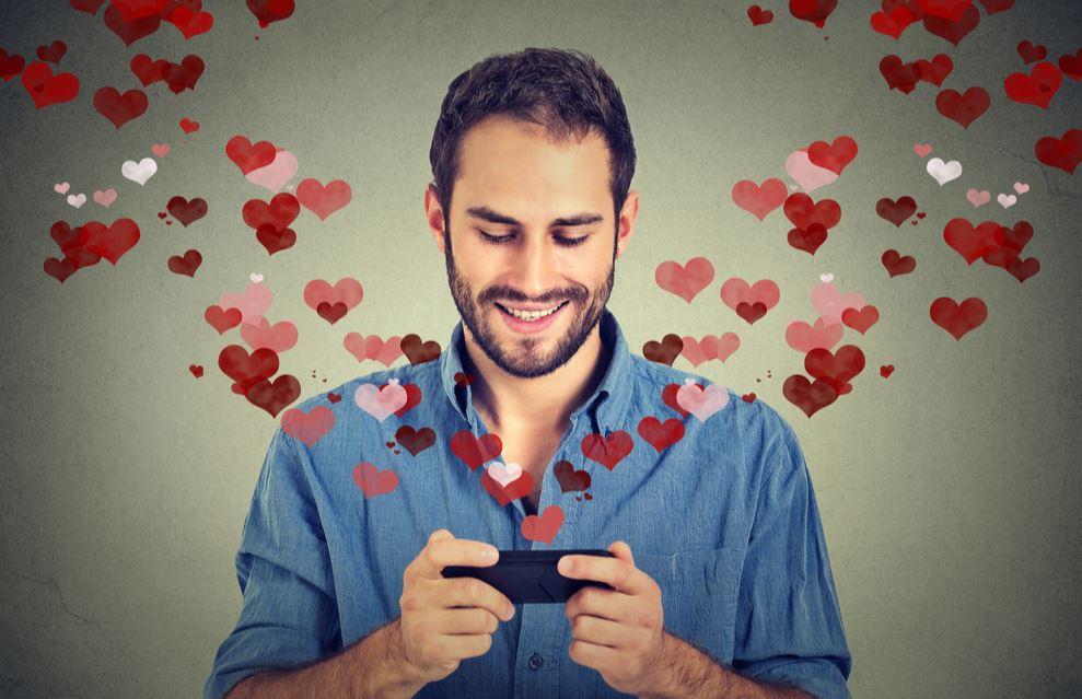 L'amore ai tempi delle app di dating non è più lo stesso (ma non c'è da aver paura)