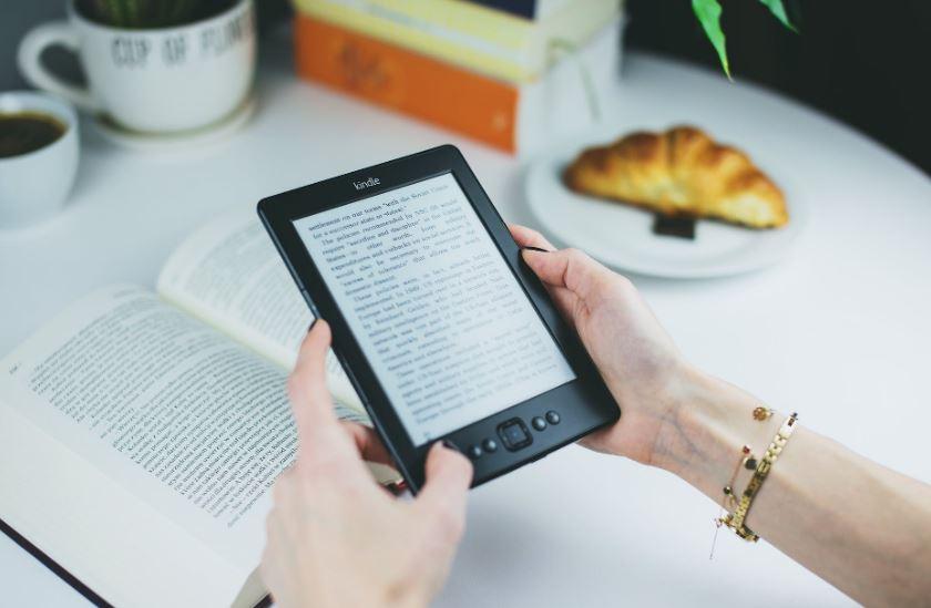 #Leggereacasa ai tempi del COVID-19: i libri da leggere e le iniziative solidali delle case editrici