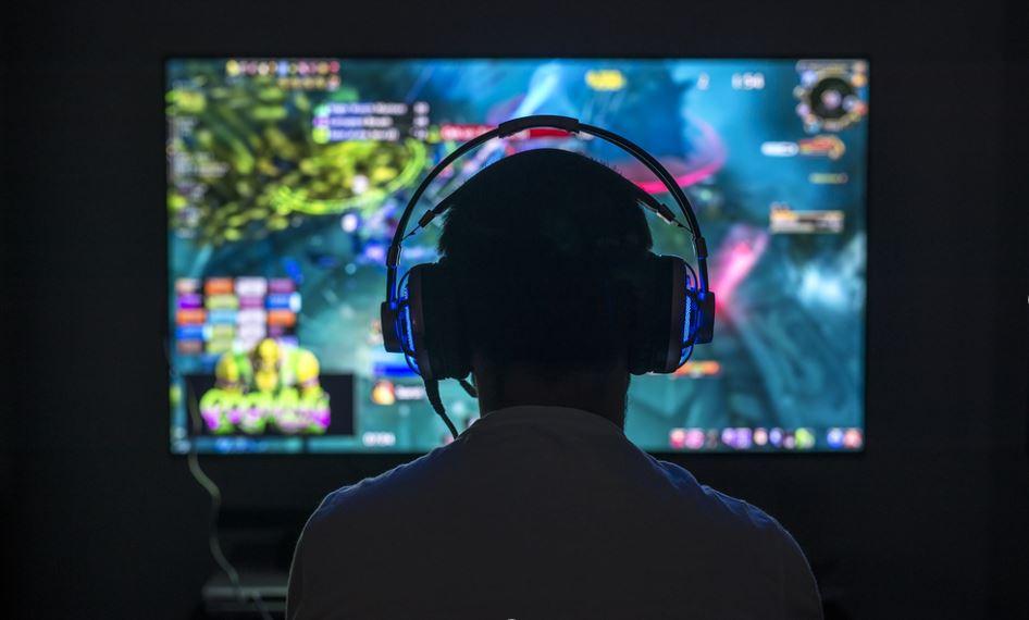 Gaming App e Go Live: la nuova competizione di Facebook con Twitch e YouTube