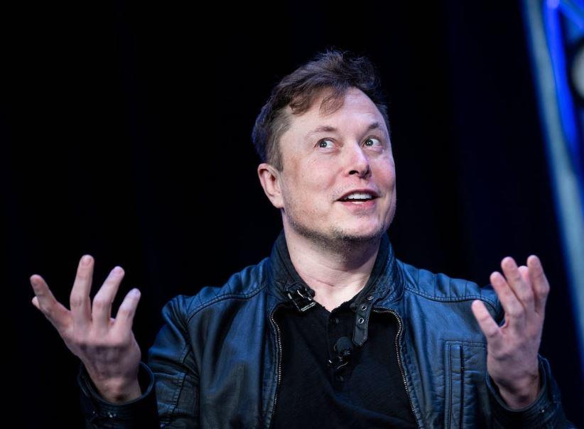 Elon Musk inserisce #bitcoin nel profilo Twitter e il titolo vola