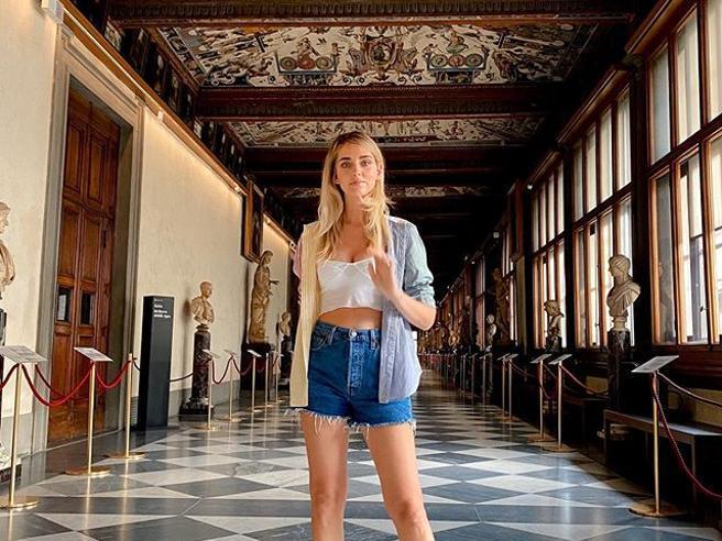 """Le """"colpe"""" di Chiara Ferragni agli Uffizi (e quelle della cultura nel digital)"""