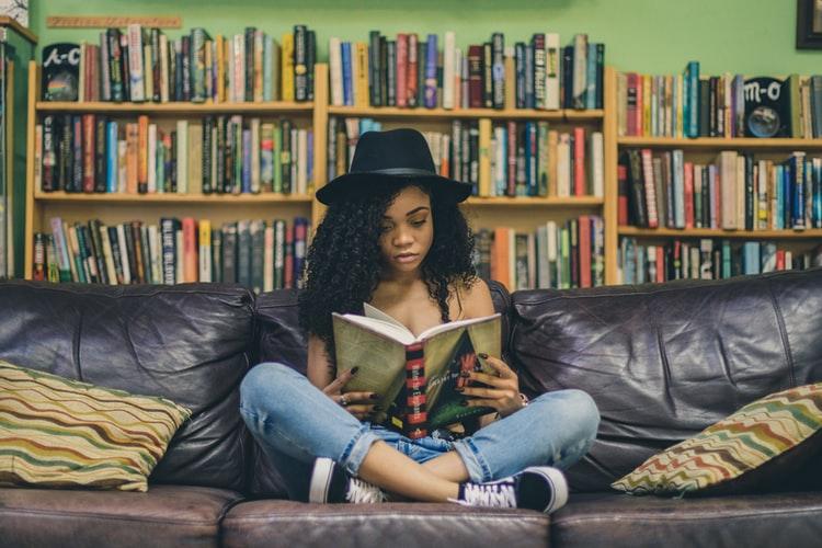 Leggere più libri senza impazzire: una guida in 25 punti