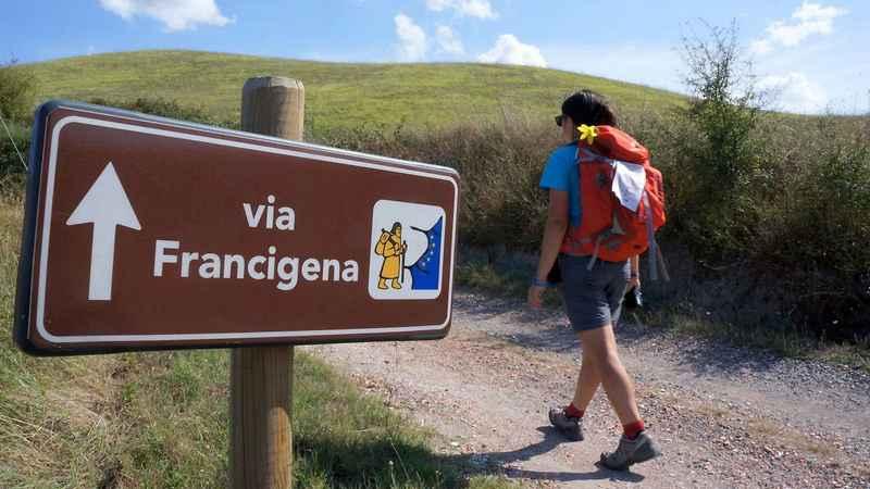 12 percorsi per scoprire l'Italia a piedi (e promuovere il turismo)