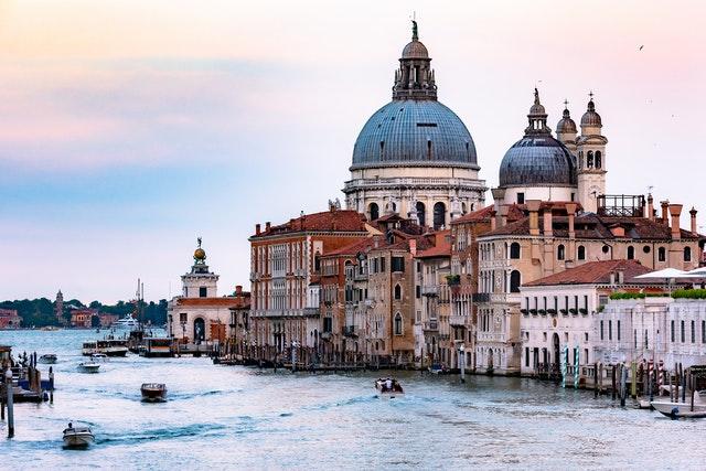 La comunicazione turistica in Italia: dal Bonus Vacanze alla Ferragni