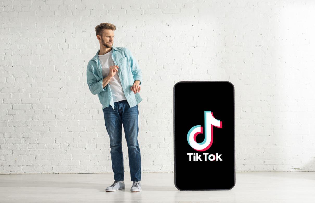 TikTok: cosa significa FYP e cosa dovresti sapere sul funzionamento del suo algoritmo