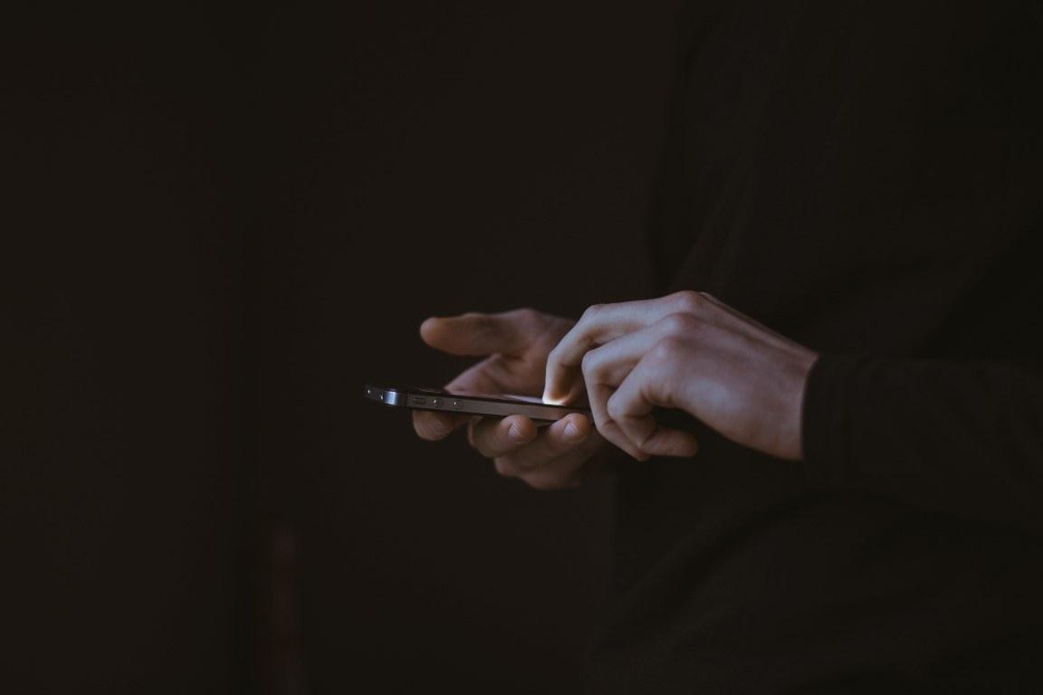 Come le app di messaggistica istantanea influenzano i rapporti umani